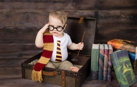 Harry Potter Baby Fabric Iphone Dan Semua Hp wallpaper books boy suitcase images for desktop section мужчины