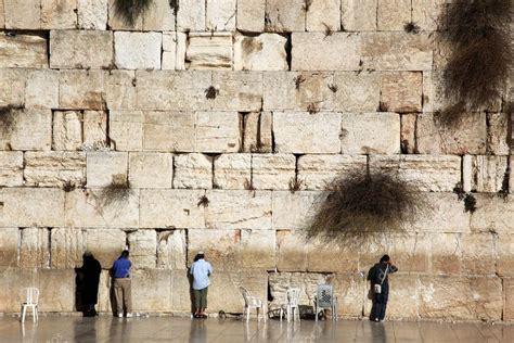 imagenes judios orando jud 237 os orando en el muro de los lamentos muro de las