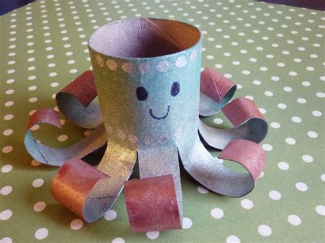 octopus toilet paper roll craft toilet paper roll octopi munchkins and