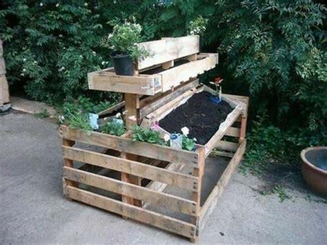 fioriere in legno economiche fioriere per giardino economiche in pallet di legno bcasa