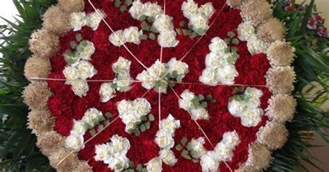 flower pizza   Funeral Arrangement Pizza   flower