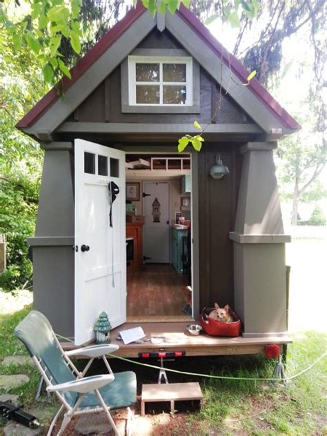 136 sq ft tiny cottage on a trailer for 32 000 tiny