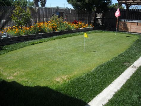 how to build a backyard putting green make backyard golf course outdoortheme com