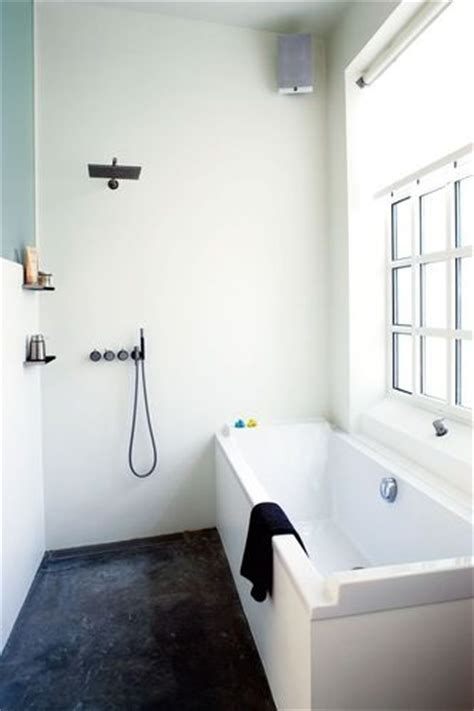 Describing A Bathroom In Tubs Showers And Freestanding Tub On