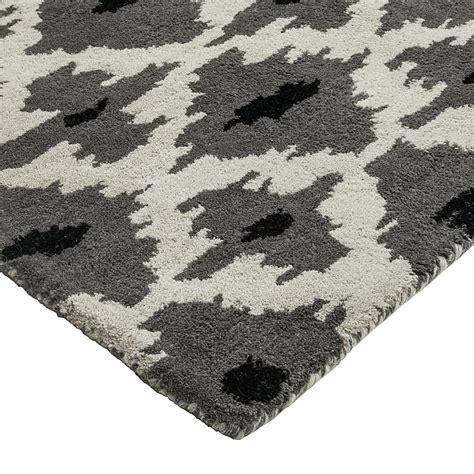 Großer Weißer Teppich by Regalsysteme Schlafzimmer Selber Bauen