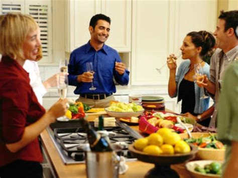 host a dinner party tips on how to host a delightful dinner party