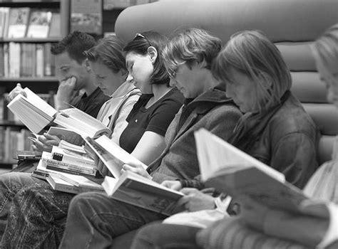 Reading Flicks by Reading Flickr Photo