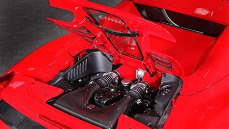 Cover Motor 458 Spider Gets A Carbon Fiber Engine Cover From