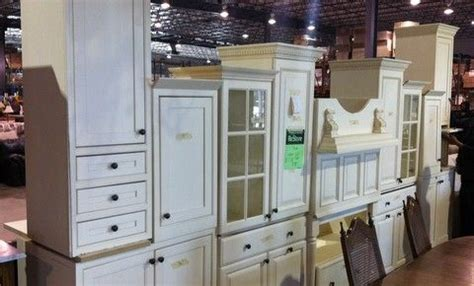 pre owned kitchen cabinets for sale 32 best best used kitchen cabinets images on pinterest