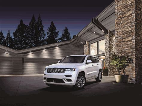 jeep grand cherokee 2017 black the jeep 174 brand introduces new 2017 grand cherokee