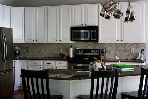 painting oak kitchen cabinets painted white oak kitchen cabinets best 25 painting oak
