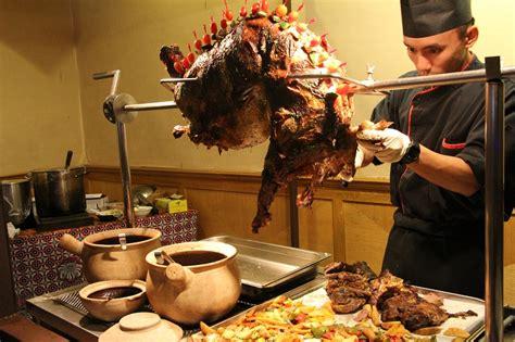 Pemanggang Kambing Golek buffet ramadan ala kung di de palma hotel ang