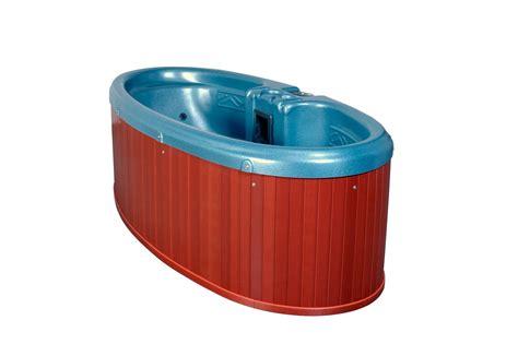pug play play spa tub