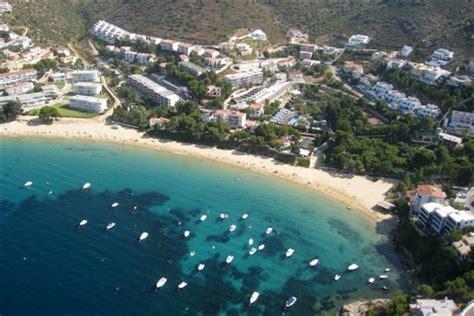 alquiler playa almadrava para sus playa l almadrava en roses paseos mar 237 timos playas en