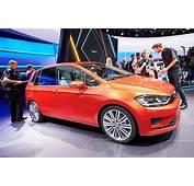 Frankfurt 2013 Volkswagen Golf Sportsvan Concept Previews