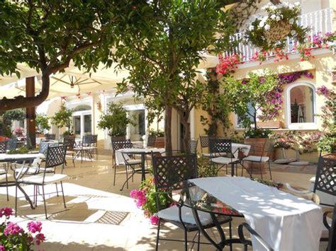 86 terrace dining room courtyard terrace dining terrazza terrazza cele 포지타노 사진 트립어드바이저