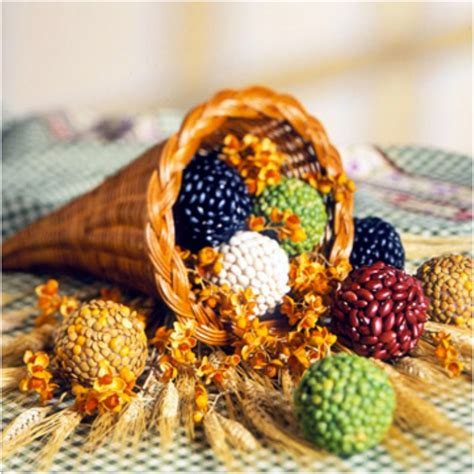 10 cornucopia centerpiece diy ideas for thanksgiving top