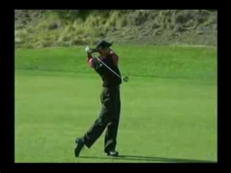 tiger woods swing in slow motion tiger woods golf swing full analysis in slow motion