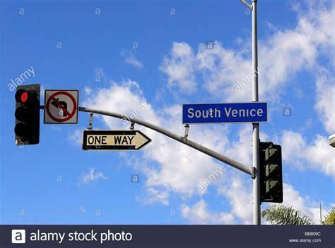 california light traffic light venice boulevard in venice los