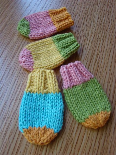 easy toddler mitten knitting pattern baby knit mitts i started a few of these before