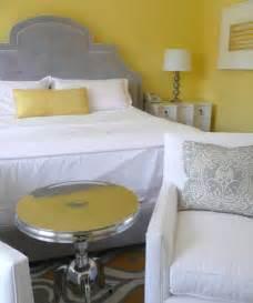 yellow gray decor gray yellow bedroom inspiration apartmenttherapyyellowandgrayjpg gray
