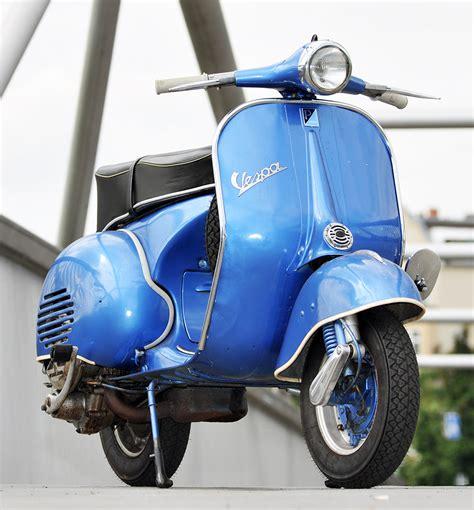 Oldtimer Motorrad Werkstatt Berlin by Oldtimer Fotoshooting Fotograf F 252 R Vespa Roller