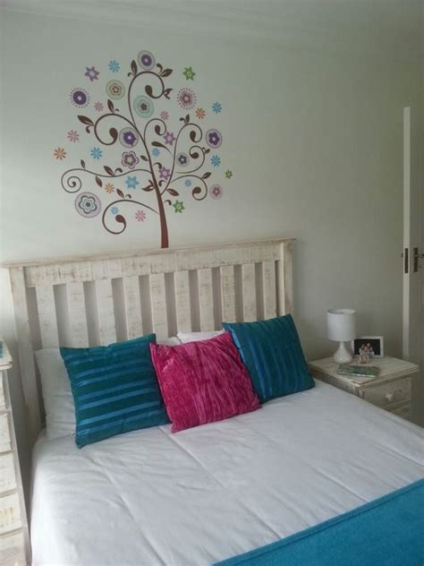 9 year old girl bedroom this tree wall sticker was put up in a 9 year old girl s