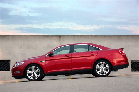 2010 ford taurus sho review roadshow review 2010 ford taurus sho photo gallery autoblog