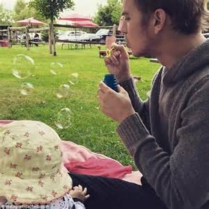 hayden christensen instagram rachel bilson offers glimpse of daughter briar rose with