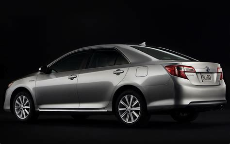 2012 toyota camry hybrid xle car reviews auto123 toyota camry hybrid 2012 2012 toyota camry hybrid price photos reviews features car and driver
