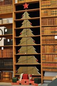 tree books christmas tree of books 2011 juniper books