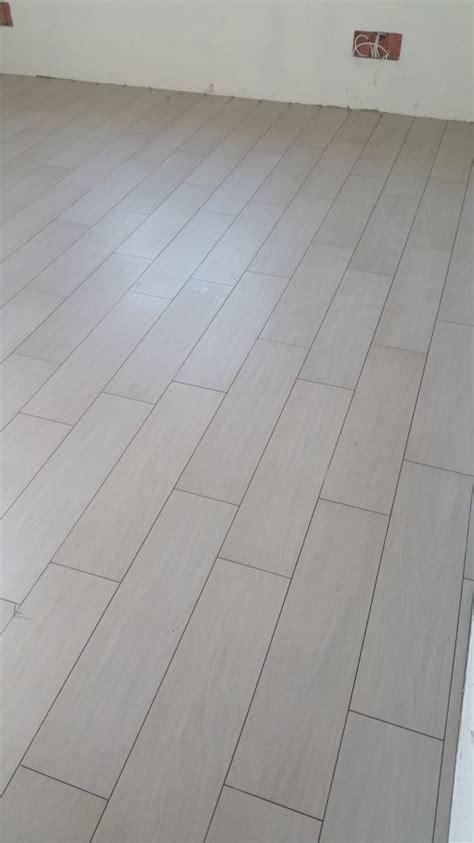 finto legno pavimenti foto pavimento finto legno formato 20x80 di simbari