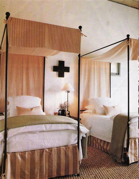 Tom Scheerer by Dreamy Canopy Beds Gretha Scholtz