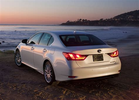 lexus hybrid 2013 toyota introduces 2014 5 camry hybrid se limited edition