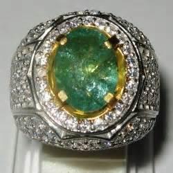 Cincin Pria Lapis Emas Batu Zambrud koleksi cincin pria dengan model terupdate