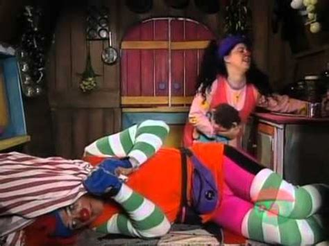 big comfy couch ouch big comfy couch jump start youtube