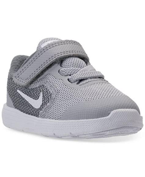nike toddler sneakers boys nike toddler boys revolution 3 stay put closure running