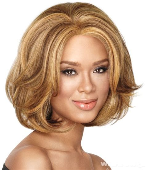 wavy mid length hairstyles for round face 14 finest medium length hairstyles for round faces