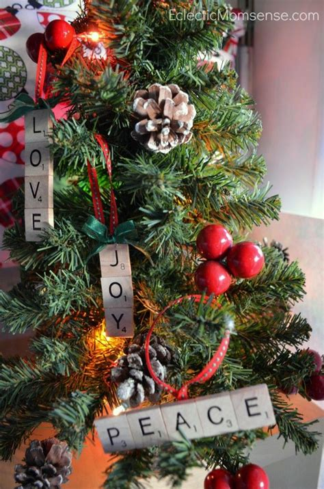 christmas tree decorated whith words how to decorate tree using non traditional ornaments