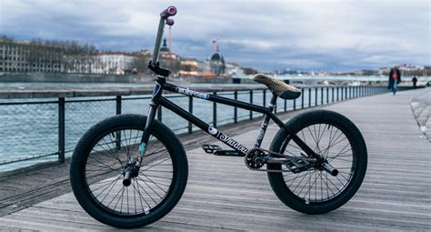 shadow bm shadow conspiracy joris coulomb bike check