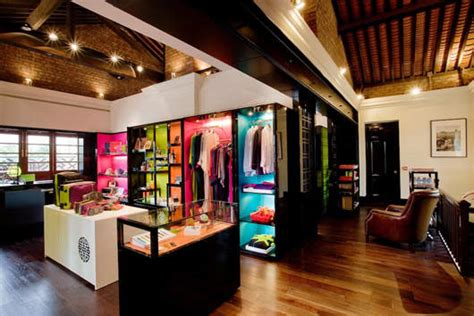 chinese luxury brand shanghai tang opens  flagship