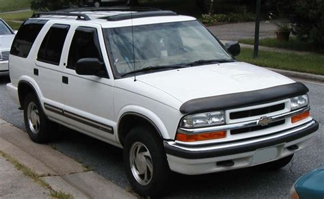 s10 bed size file chevrolet s10 blazer jpg wikimedia commons