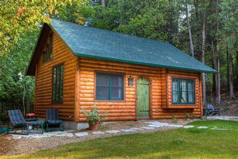 door county log cabin  ephraim  small town  midwest
