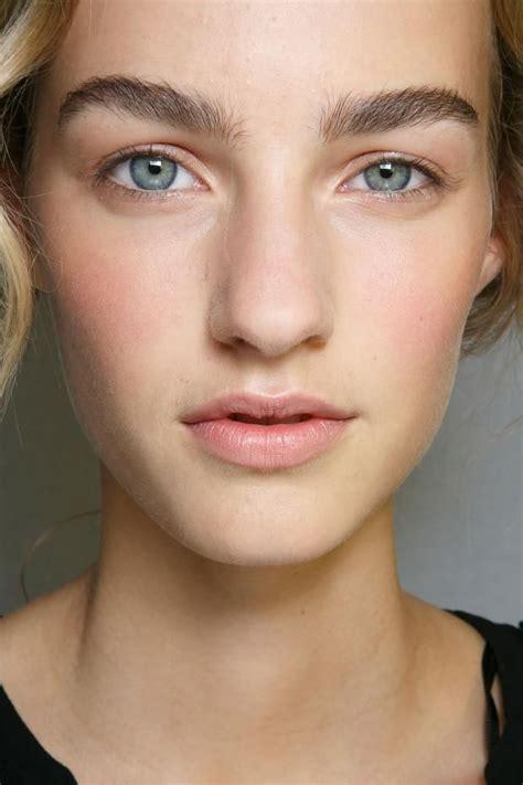 eyebrow in style alberta ferretti 2014 fashion week bushy eyebrows peachy