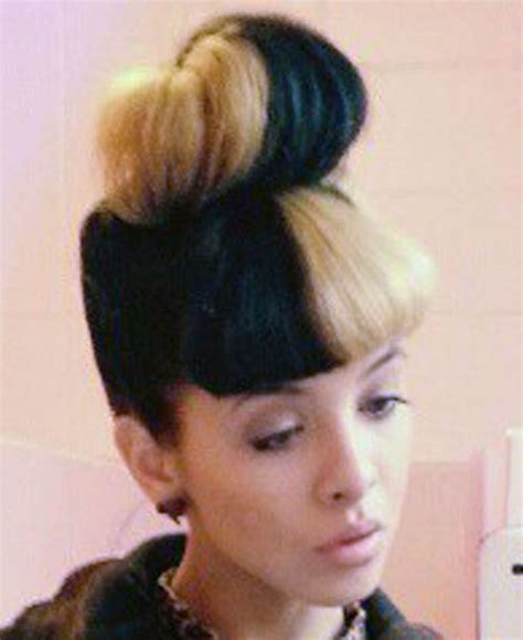 melanie martinez had short curly hair for her performance of cough net for hair bun short hairstyle 2013