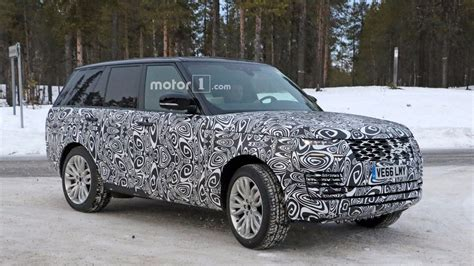 range rover land rover 2018 spy shots capture 2018 range rover phev conducting winter