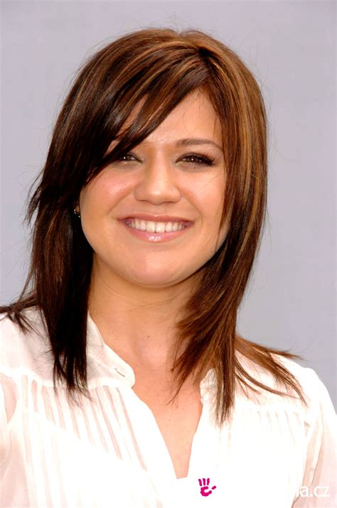 what does kelly clarkson hair look like great hairstyles hairstyles for round faces