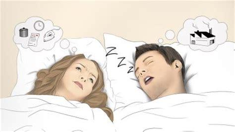 atemaussetzer im schlaf schlaf apnoe gef 228 hrliche atemaussetzer mitten im schlaf