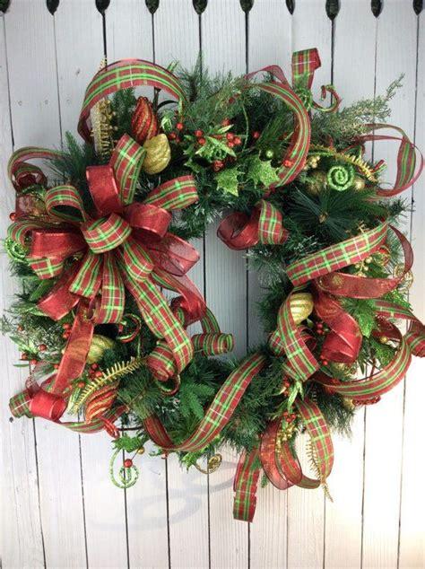 elegant christmas wreaths  put    christmas