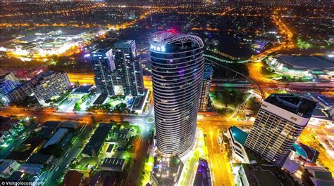 Car Light Bulbs Gold Coast Time Lapse Shows The Gold Coast As You Ve Never Seen